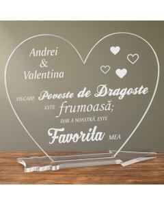 Cadou personalizat placheta plexiglas inima - Povestea de dragoste favorita | Ghizbi.ro