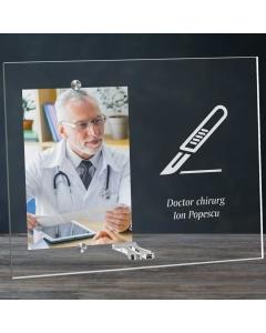 Cadou personalizat rama plexiglas -  Doctor chirurg | Ghizbi.ro