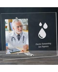 Cadou personalizat rama plexiglas -  Doctor hematolog | Ghizbi.ro