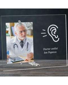 Cadou personalizat rama plexiglas -  Doctor orelist   Ghizbi.ro