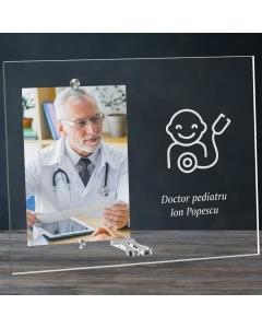 Cadou personalizat rama plexiglas -  Doctor pediatru | Ghizbi.ro