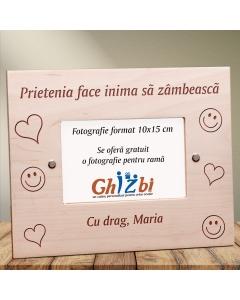Cadou personalizat rama din lemn - Prietenia face inima sa zambeasca | Ghizbi.ro