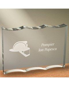 Cadou personalizat trofeu plexiglas ondulat - Pompier | Ghizbi.ro