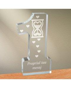 Cadou personalizat trofeu plexiglas cifra inimi - Timp pentru iubire