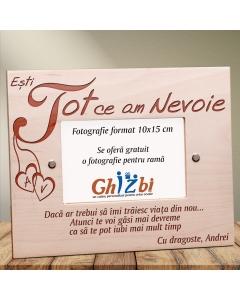 Cadou personalizat rama din lemn - Esti tot ce am nevoie | Ghizbi.ro