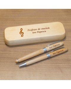 Cadou personalizat set pixuri si penar din lemn - Profesor de muzica