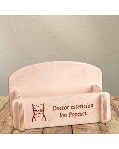 Cadou personalizat suport carti de vizita din lemn - Doctor estetician