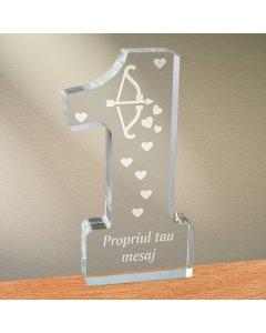 Cadou personalizat trofeu plexiglas cifra inimi - Arcul lui Cupidon