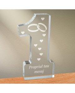 Cadou personalizat trofeu plexiglas cifra inimi - Simbolul iubirii infinite