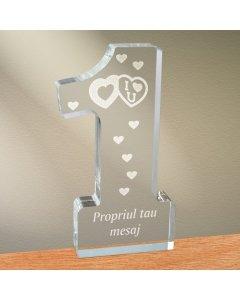 Cadou personalizat trofeu plexiglas cifra inimi - Te iubesc