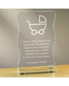 Cadou personalizat trofeu plexiglas cu suport - Sunt un bebe frumos tare