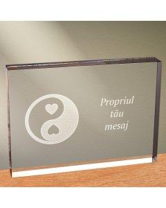 Cadou personalizat trofeu plexiglas dreptunghiular - Echilibru in dragoste