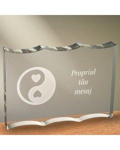 Cadou personalizat trofeu plexiglas dreptunghiular tesitura ondulata - Echilibru in dragoste
