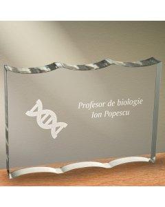 Cadou personalizat trofeu plexiglas ondulat - Profesor de biologie | Ghizbi.ro