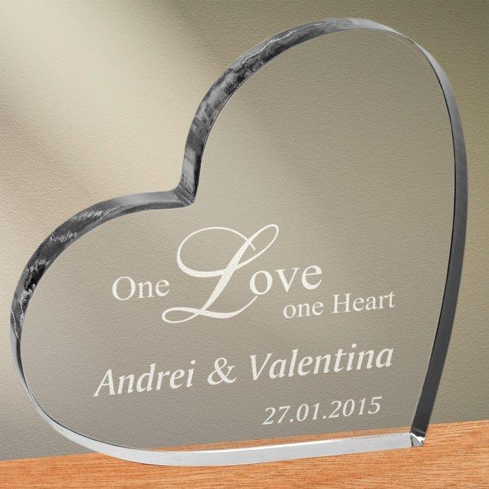 Cadou personalizat trofeu plexiglas inima - One love one heart