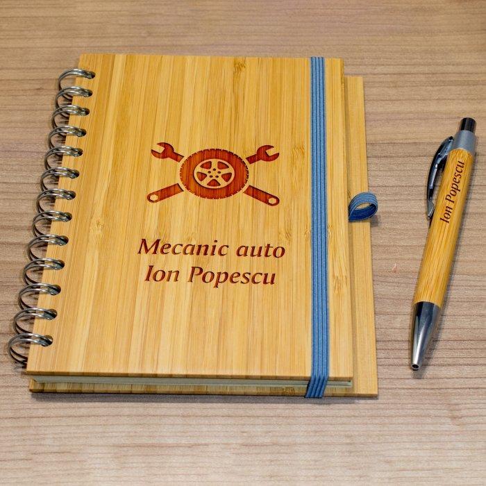Cadou personalizat agenda si pix din lemn - Mecanic auto
