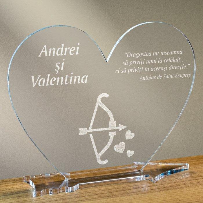 Cadou personalizat placheta plexiglas inima - Arcul lui Cupidon