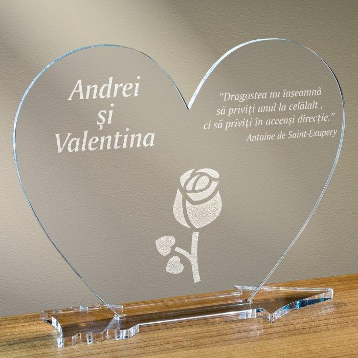 Cadou personalizat placheta plexiglas inima - Boboc de floare