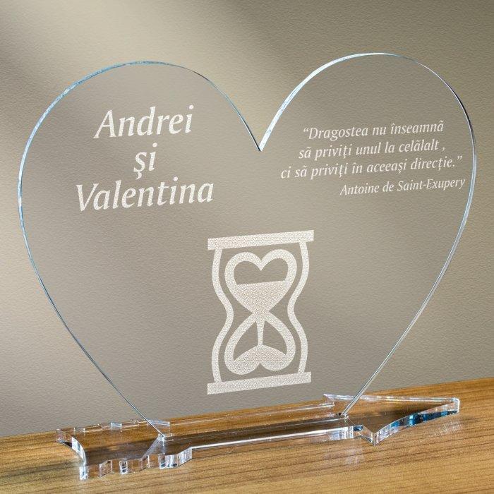 Cadou personalizat placheta plexiglas inima - Timp pentru iubire
