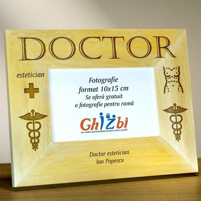 Cadou personalizat rama din lemn - Doctor estetician