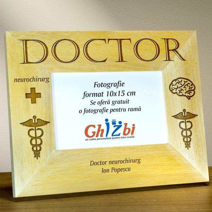 Cadou personalizat rama din lemn - Doctor neurochirurg