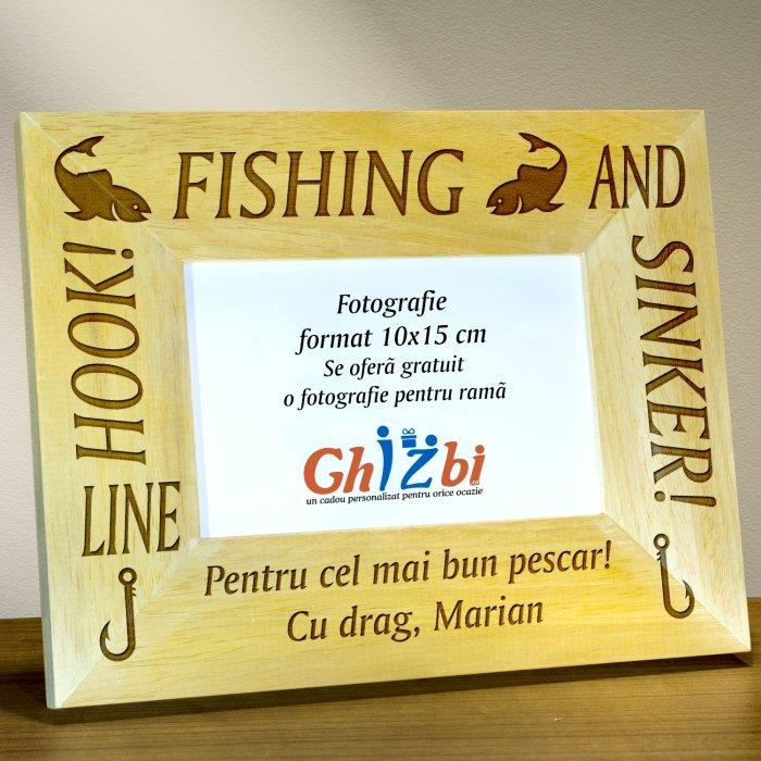 Cadou personalizat rama din lemn - Pescari profesionisti