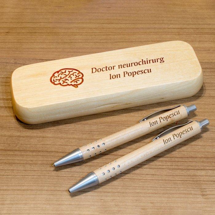 Cadou personalizat set pix, creion mecanic si penar din lemn - Doctor neurochirurg