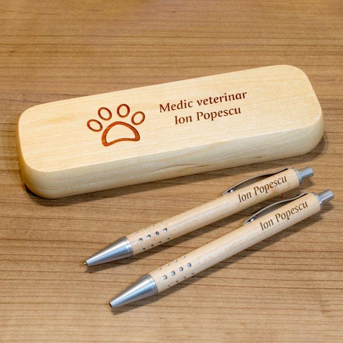Cadou personalizat set pix, creion mecanic si penar din lemn - Doctor veterinar