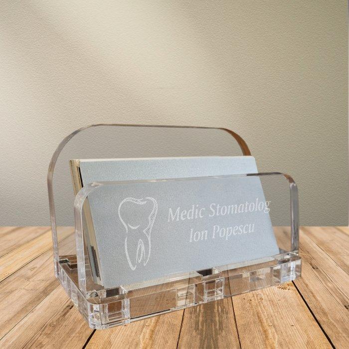 Cadou personalizat suport carti de vizita din plexiglas - Doctor stomatolog