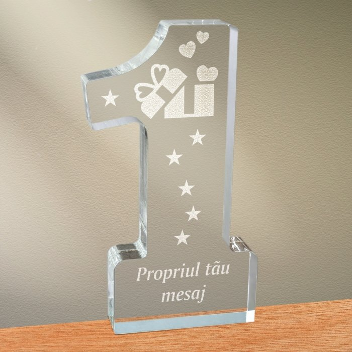 Cadou personalizat trofeu plexiglas cifra - Cadou din dragoste