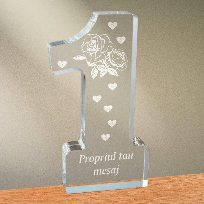 Cadou personalizat trofeu plexiglas cifra inimi - Trandafir