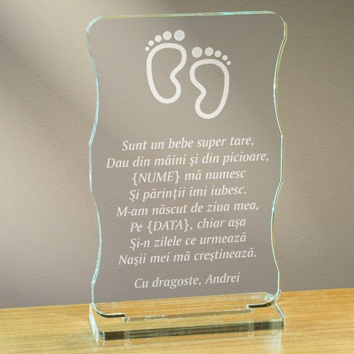 Cadou personalizat trofeu plexiglas cu suport - Sunt un bebe super tare