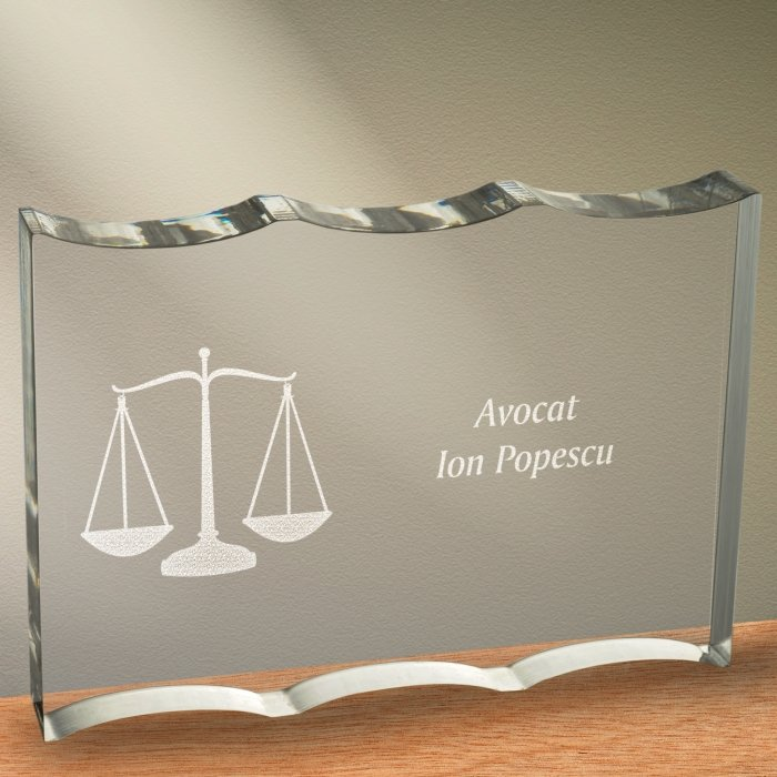 Cadou personalizat trofeu plexiglas ondulat - Avocat