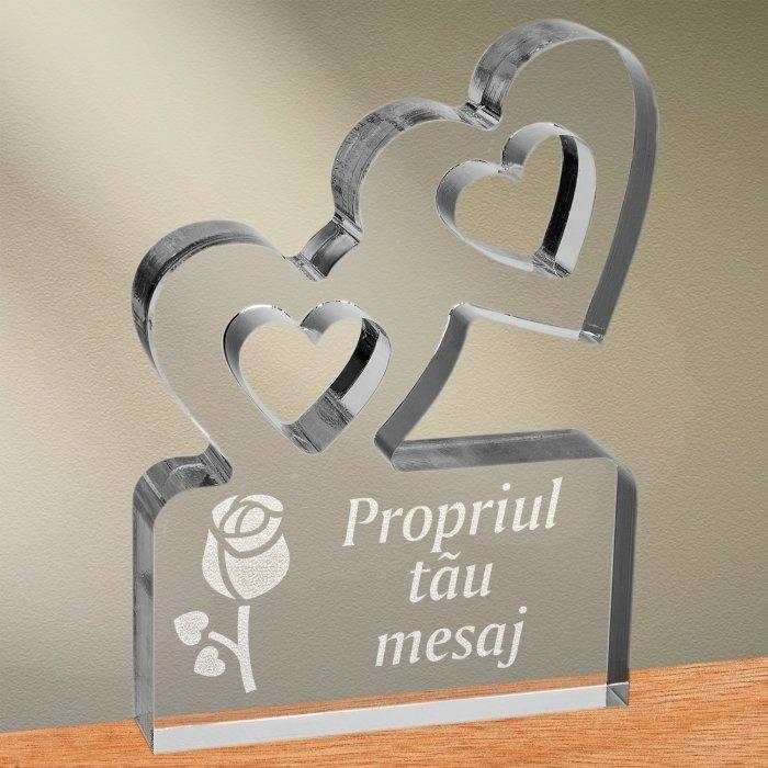 Cadou personalizat trofeu plexiglas inimi - Boboc de floare